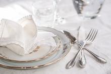 Luxury Dinner Set With Silverw...