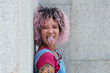 canvas print picture - Punkgirl mit rosa Haaren zeigt Zunge