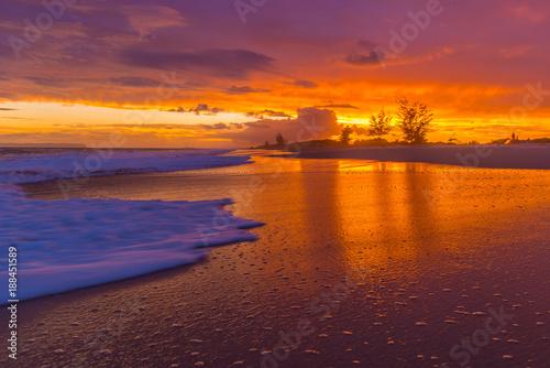 Poster Crimson Glowing Beach Sunset