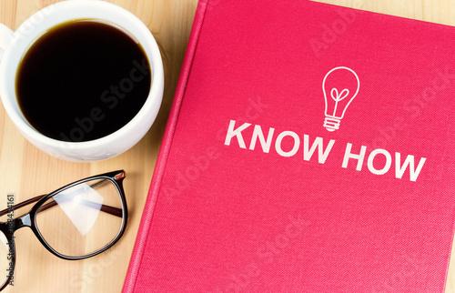 """Fotografie, Obraz  Buch mit der Aufschrift """"Know How"""""""