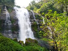 Wachirathan Waterfall : Waterf...