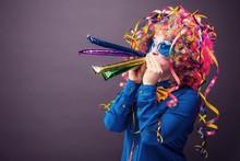 Frau In Karnevalstimmung
