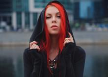 Pretty Slim Red Haired Alterna...