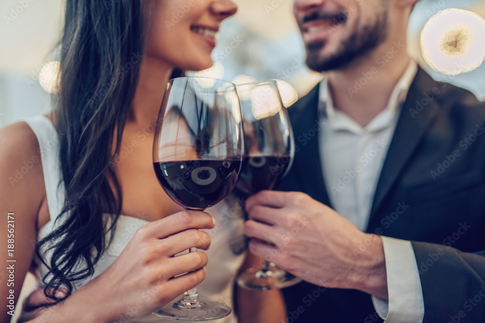 Fototapety, obrazy: Romantic couple in restaurant