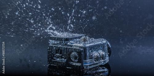 Foto auf Gartenposter Wasserfalle action camera in waterproof case