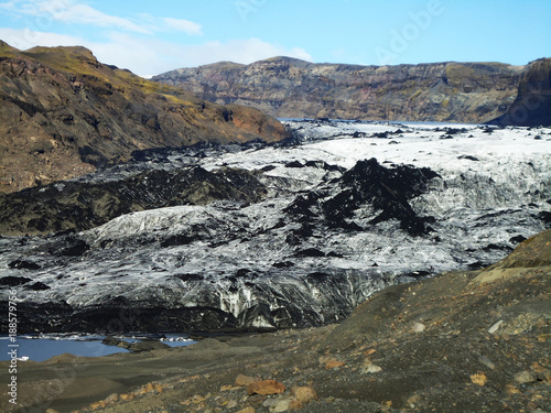Spoed Foto op Canvas Grijze traf. Mountains and ash covered ice on Iceland