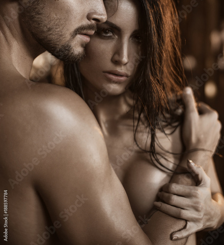 Tuinposter Artist KB Portrait of two wet, nude lovers