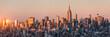 New York Skyline bei Sonnenuntergang mit Empire State Building, USA