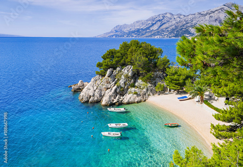 Poster Strand Beautiful beach near Brela town, Dalmatia, Croatia. Makarska riviera, famous landmark and travel touristic destination in Europe