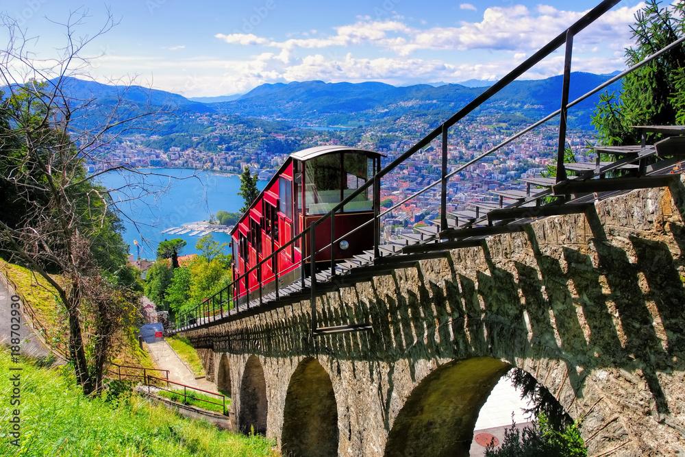 Fototapety, obrazy: Lugano Standseilbahn und Luganersee, Schweiz - Lugano funicular and Lake Lugano