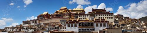 Fotografia monastery in shangri la -zhongdian- ,Yunnan ,china