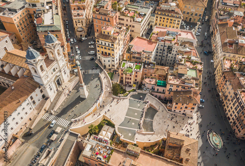 Photo Aerial view of Piazza di Spagna and the Spanish Steps in Rome