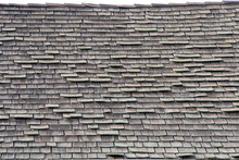 Wood Shingle Roof In Poor Repa...