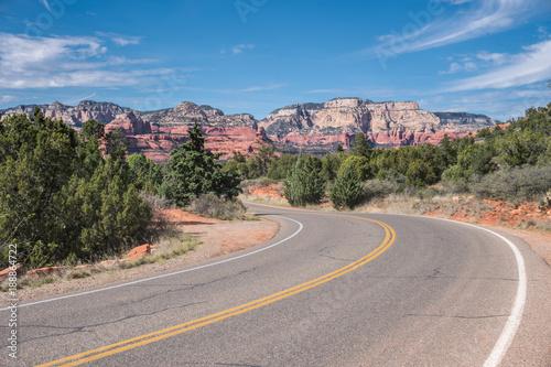 Zdjęcie XXL Włącz autostradę z widokiem czerwonych skał Sedona w Arizonie w USA