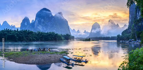 Fotobehang Guilin Landscape of Guilin, Li River and Karst mountains. Located in The Ancient Town of Xingping, Yangshuo, Guilin, Guangxi, China.