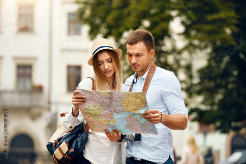 Obraz na płótnie Couple With Map On Travel Vacations, Sightseeing