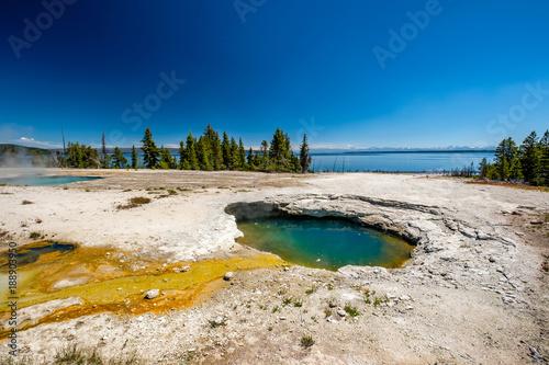 Keuken foto achterwand Verenigde Staten Hot thermal spring in Yellowstone
