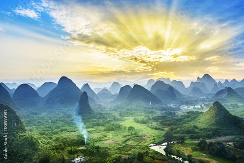 Photo sur Toile Jaune de seuffre Landscape of Guilin, Li River and Karst mountains. Located near Yangshuo, Guilin, Guangxi, China.