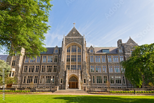 Fototapeta White-Gravenor Hall of Georgetown University, Washington DC, USA. White-Gravenor is a classroom building that also houses offices for the dean of Georgetown College. obraz