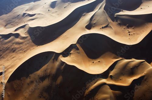 widok-z-lotu-ptaka-wydmy-w-rub-al-khali