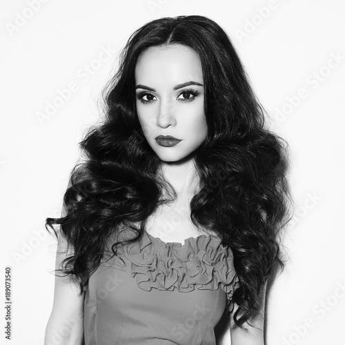 Foto op Plexiglas womenART Beautiful brunette woman