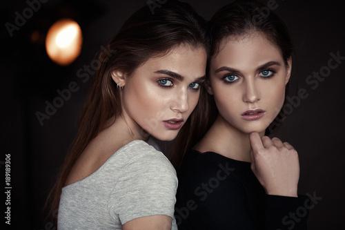 Valokuva  Beauty portrait of twins