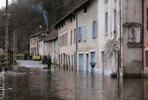 Plakat powódź w Saint Leonard de Noblat, Limousin, Francja