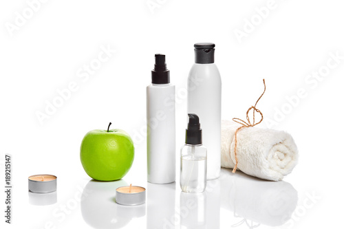 Keuken foto achterwand Spa Natural spa beauty treatment cleansing products with apple on white background.