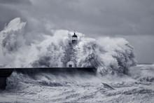 Stormy Big Waves