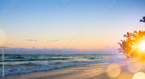 Foto op Plexiglas Caraïben Art Beautiful sunrise over the tropical beach