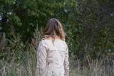 Fototapeta Las - ombre dziewczyna las   ombre girl in the forest