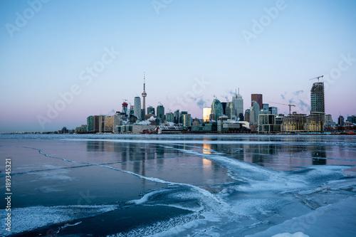 Obrazy Toronto  toronto-skyline-in-winter