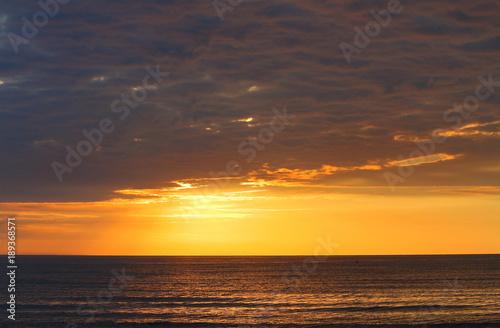 In de dag Ochtendgloren Beautiful orange-lead sunrise over the Black sea