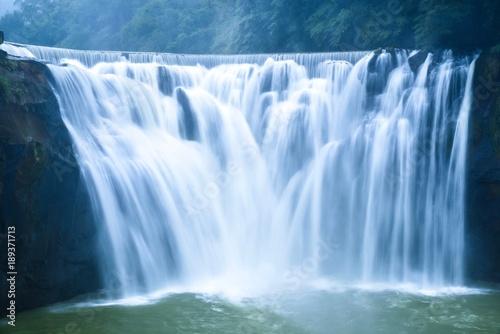 Foto op Canvas Watervallen Breathtaking View of Shifen Waterfall in Pingxi District