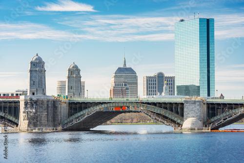 Plakat Boston linia horyzontu, plecy zatoka i Charles rzeka, Longfellow most, lokalizować w Boston, Massachusetts, usa.
