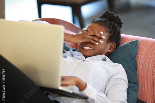 Photo Black girl shocked with news