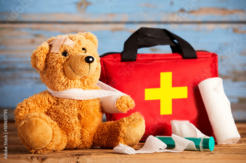 Fotografia  Paediatric healthcare concept with a teddy bear