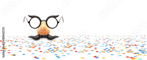 Valokuva  Faschungsbrille mit Konfetti