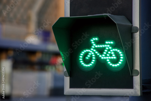 Photo Green light for bicycle lane on traffic light