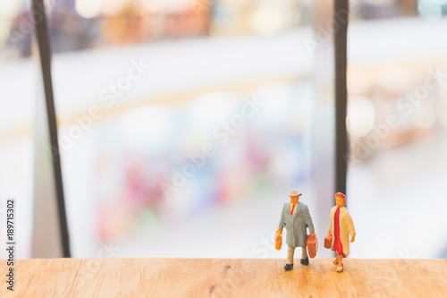 Fototapety, obrazy: Miniature people : Travellers walking on The bridge