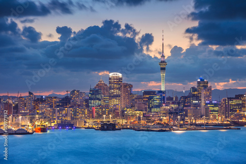 Poster Océanie Auckland. Cityscape image of Auckland skyline, New Zealand during sunset.