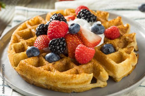 Cuadros en Lienzo Sweet Homemade Berry Belgian Waffle