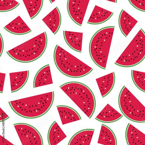 bezszwowy-kolorowy-wzor-z-czerwonymi-arbuzow-plasterkami-na-bialym-tle-ilustracji