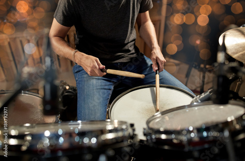 Fotografie, Obraz musician playing drum kit at concert over lights