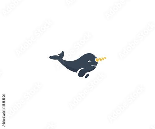 Fototapeta premium Szablon logo wieloryba narwala. Projekt wektor zwierzę morskie życie. Ilustracja kreskówka narwala