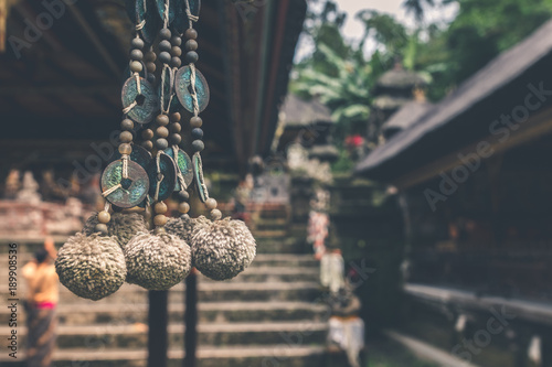 Fotografia  Buddhism hinduism accessory in a balinese temple