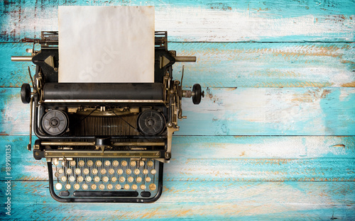 In de dag Retro Vintage typewriter header with old paper. retro machine technology - top view and creative flat lay design.