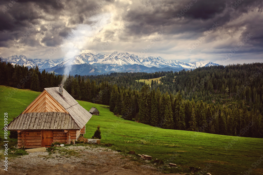 mountain cottage located in a beautiful mountain climate