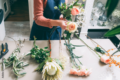 Florist's creative work requires senses of style beauty and proportion Fototapet