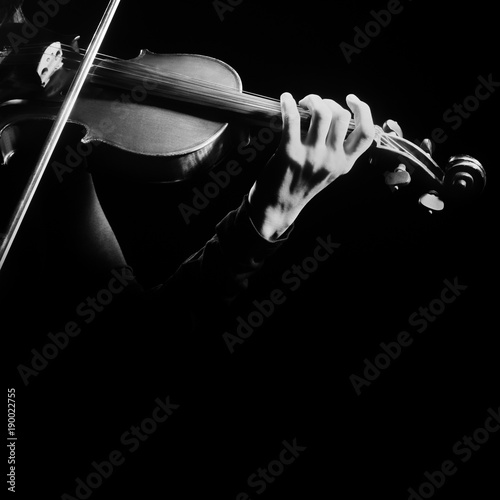 Musique Violin player. Violinist playing violin hands close up